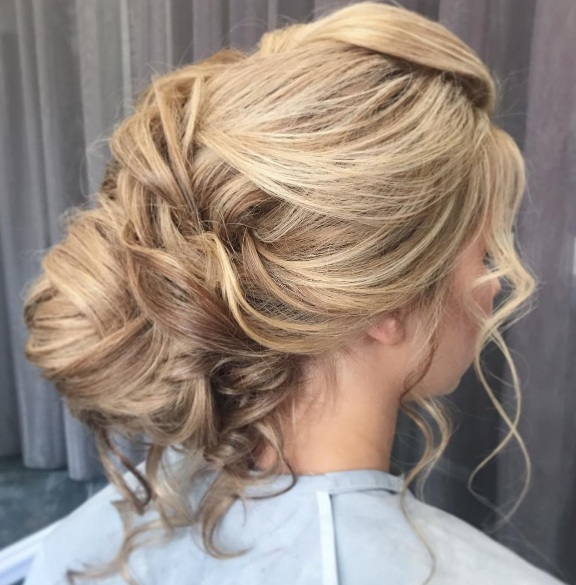 Prettiest Fall Updos To Try This Season